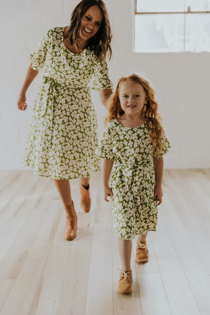 Matching green floral dress for mom and daughter