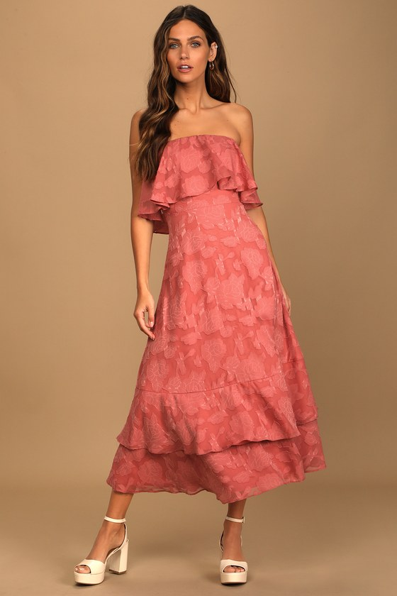 Coral pink tube dress wedding guest outfit