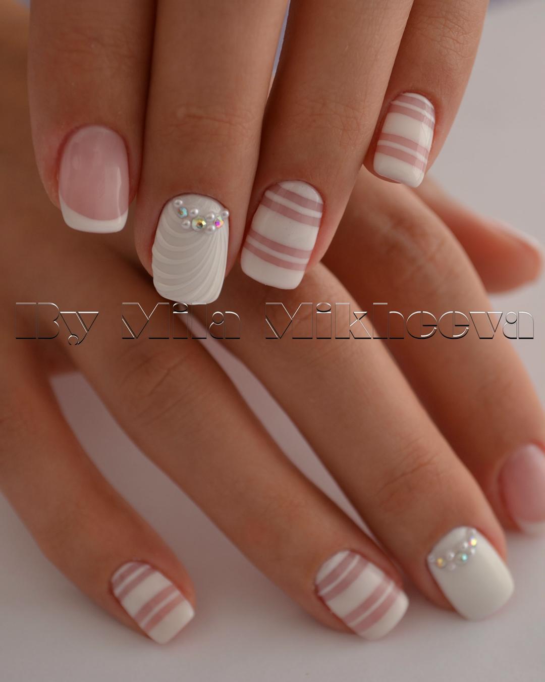 Simple pink and nude gel nails