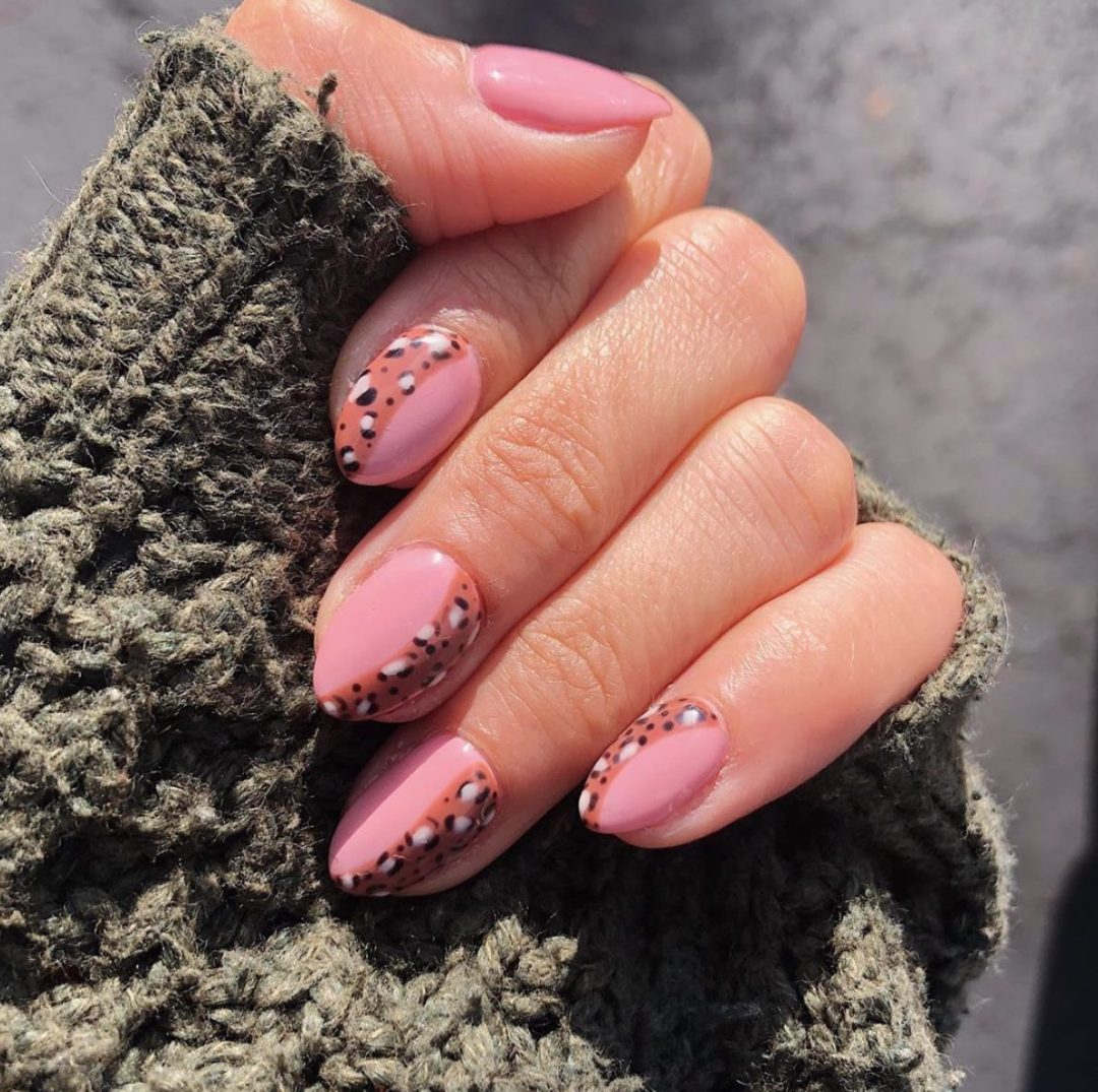 Pink nails and leopard print