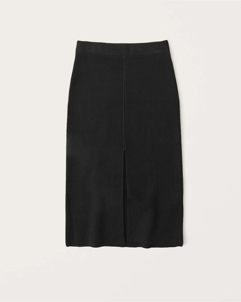 Black sweater midi skirt for the minimalist French capsule wardrobe