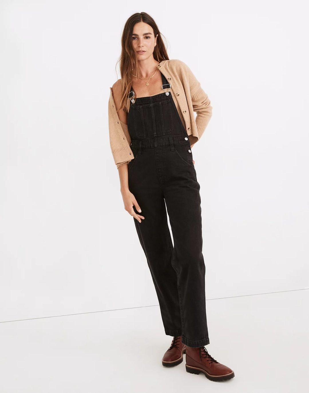 Black dungarees with beige cardigan
