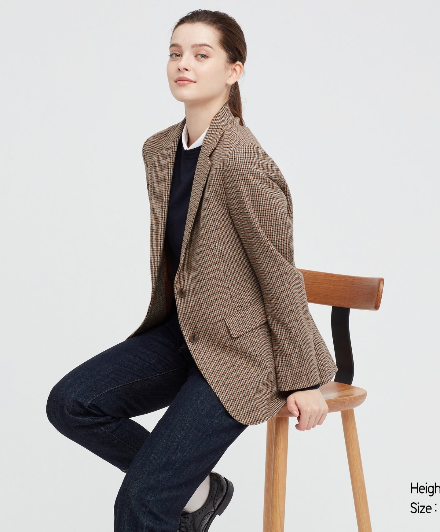 Plaid tailored blazer for dark academia outfits