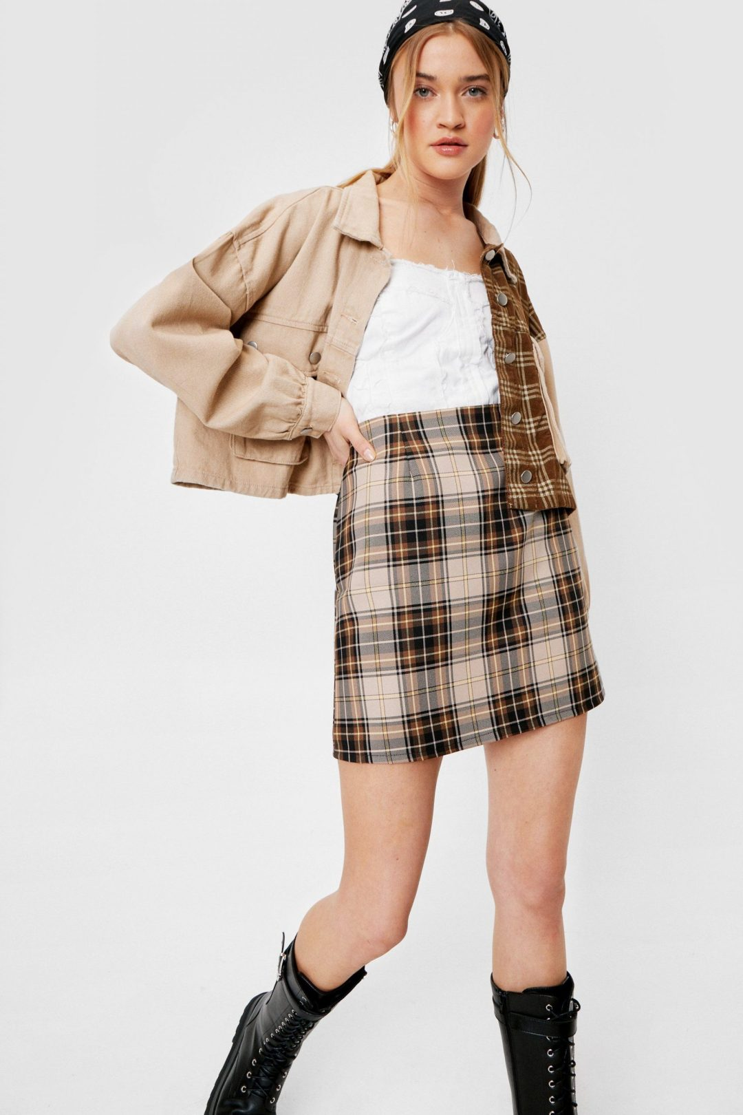 Plaid mini skirt for dark academia outfits