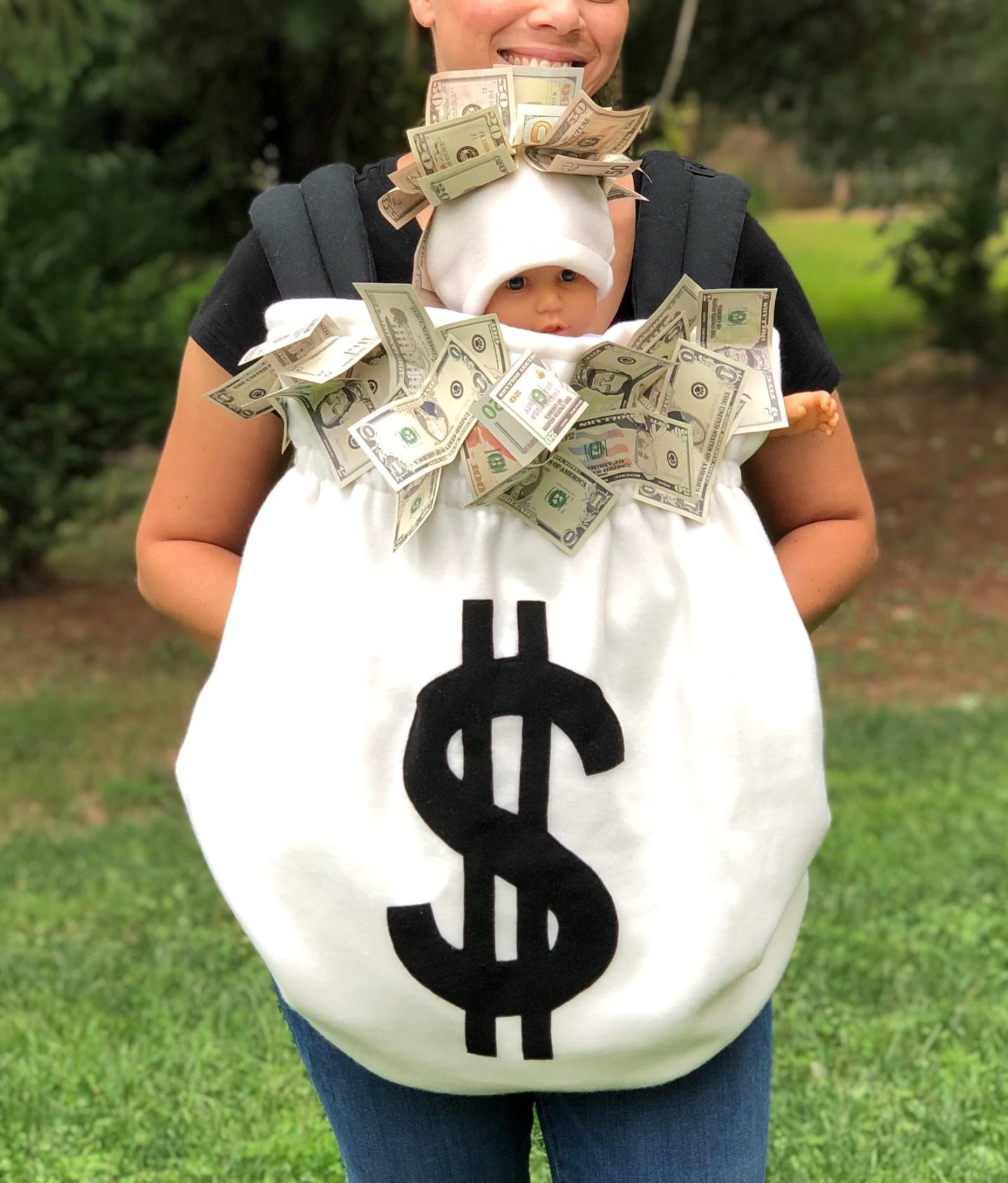 Money bag Halloween costume for mom and baby