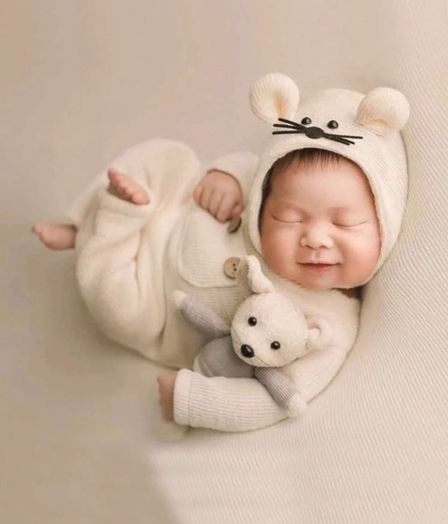 Cute mouse costume for infants