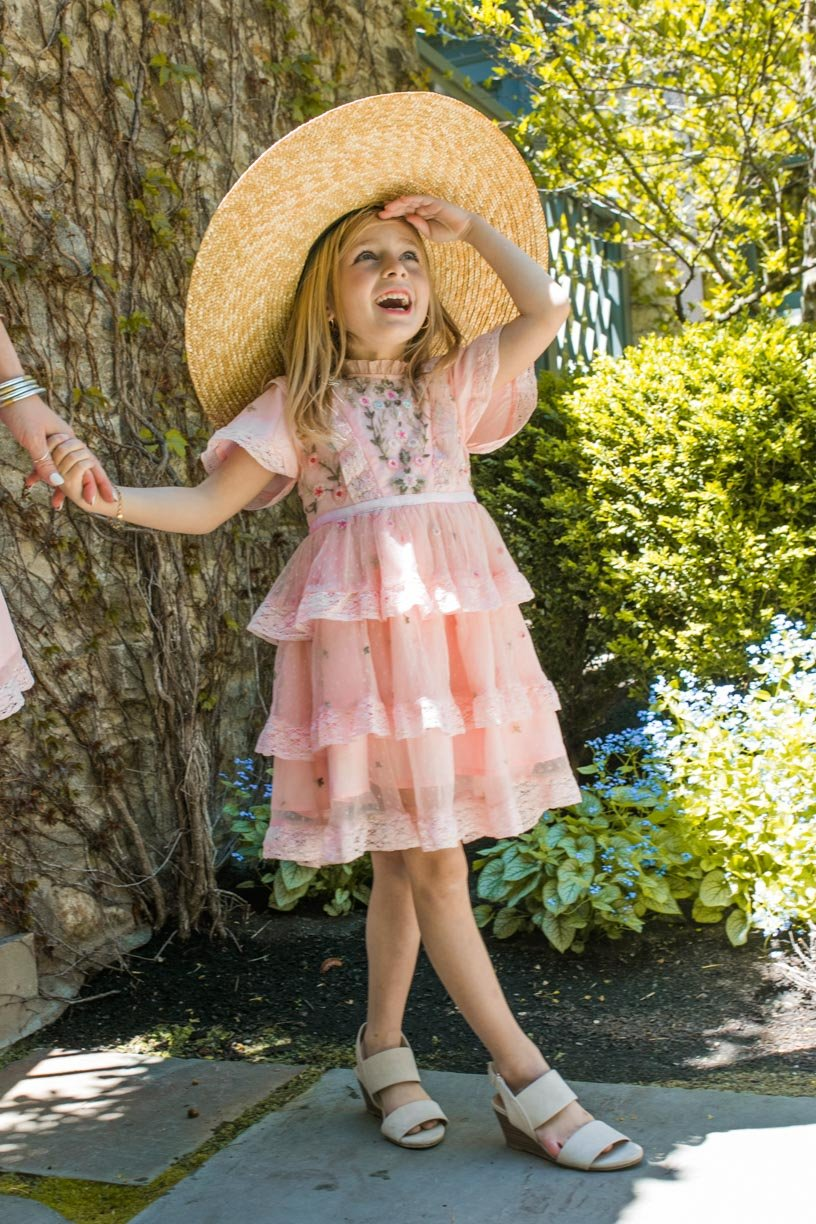 Pink embroidered dress for baby girls with tulle