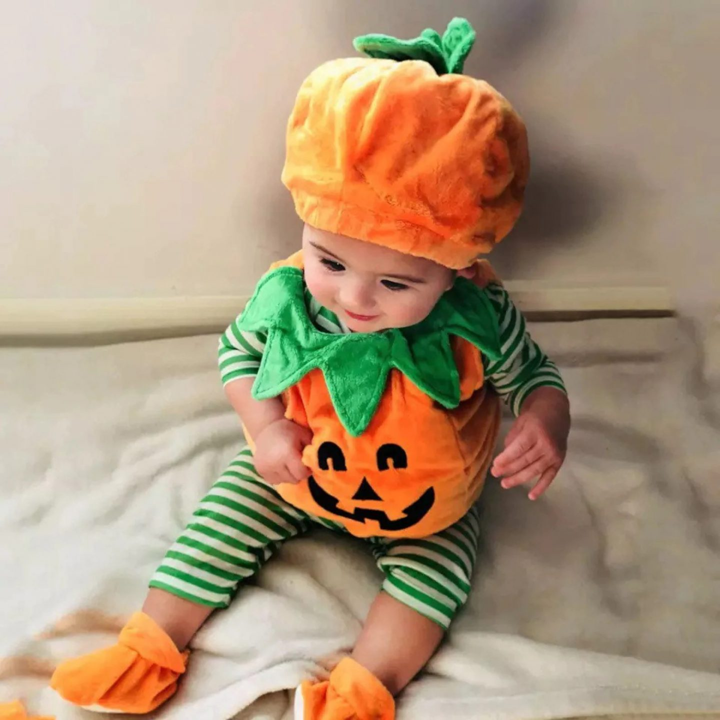 Cute pumpkin costume for infants and toddlers