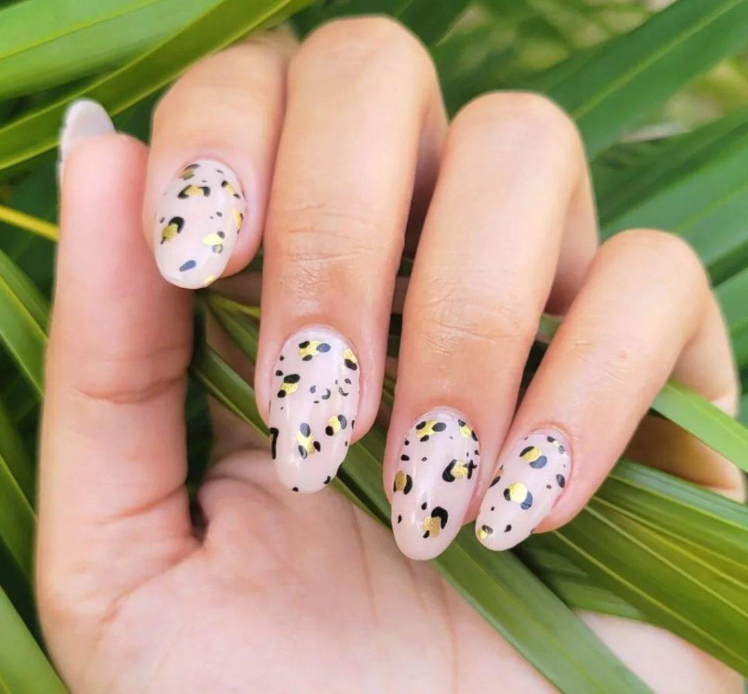 Short cheetah print nails