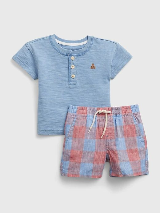 Light blue and red t-shirt and shorts set for toddlers