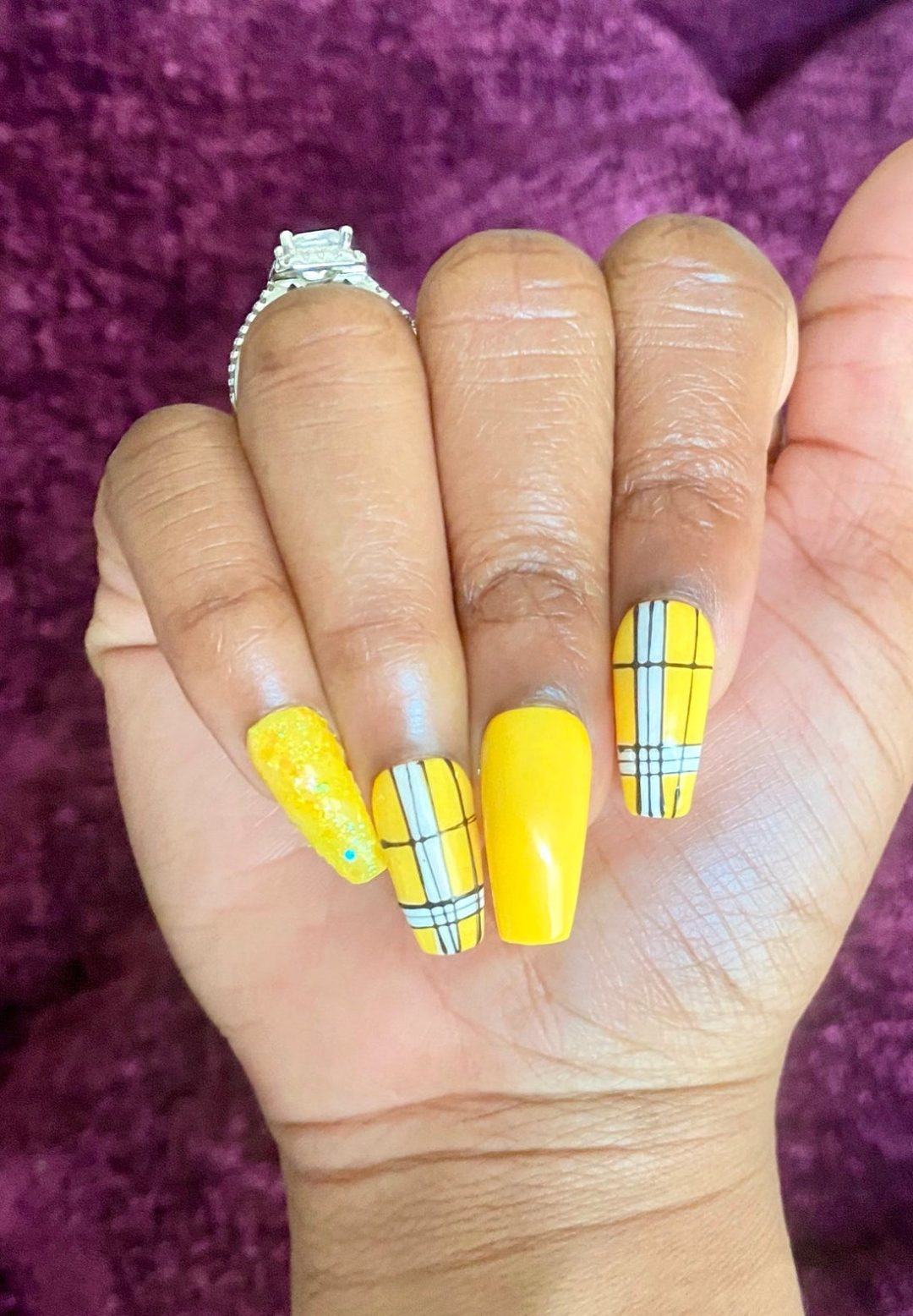 Plaid yellow nails