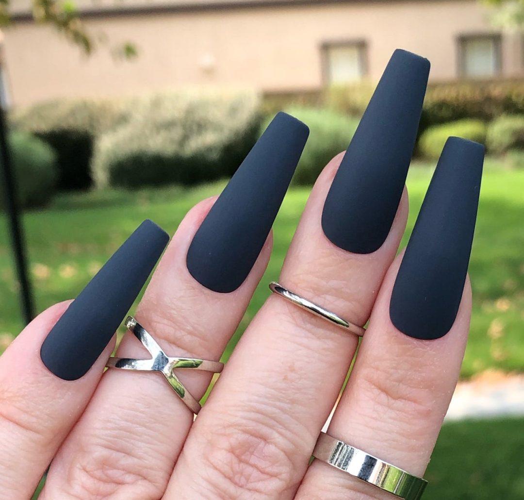 Black matte nail ideas