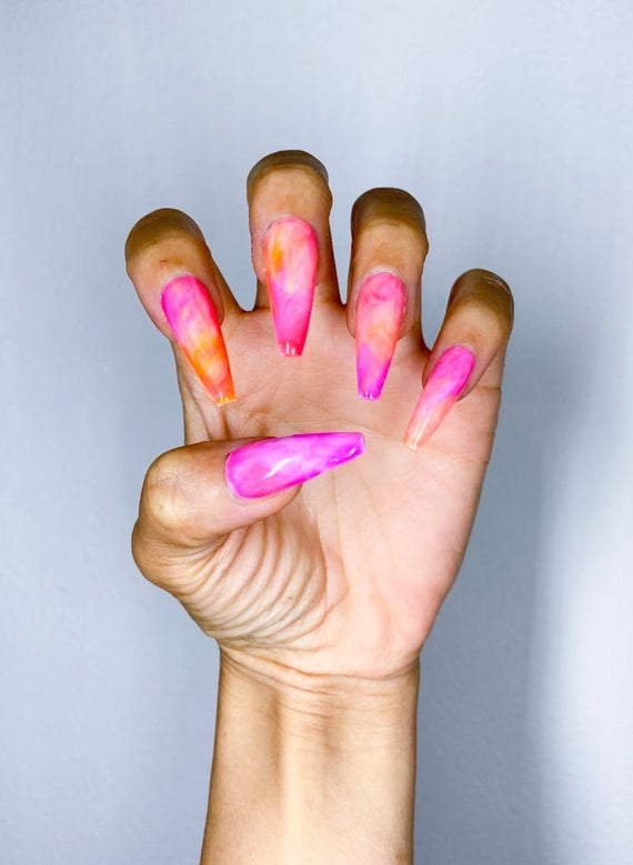 Watercolor hot pink style tie dye nails