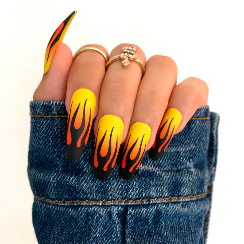 Flame design for coffin nails