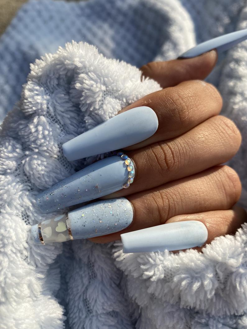 Classy blue nails