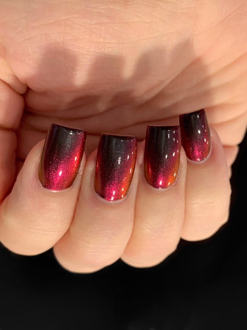Iridescent red nails