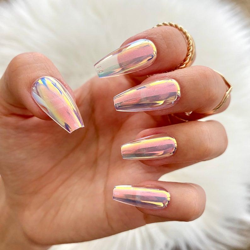 Holographic transparent design for coffin nails