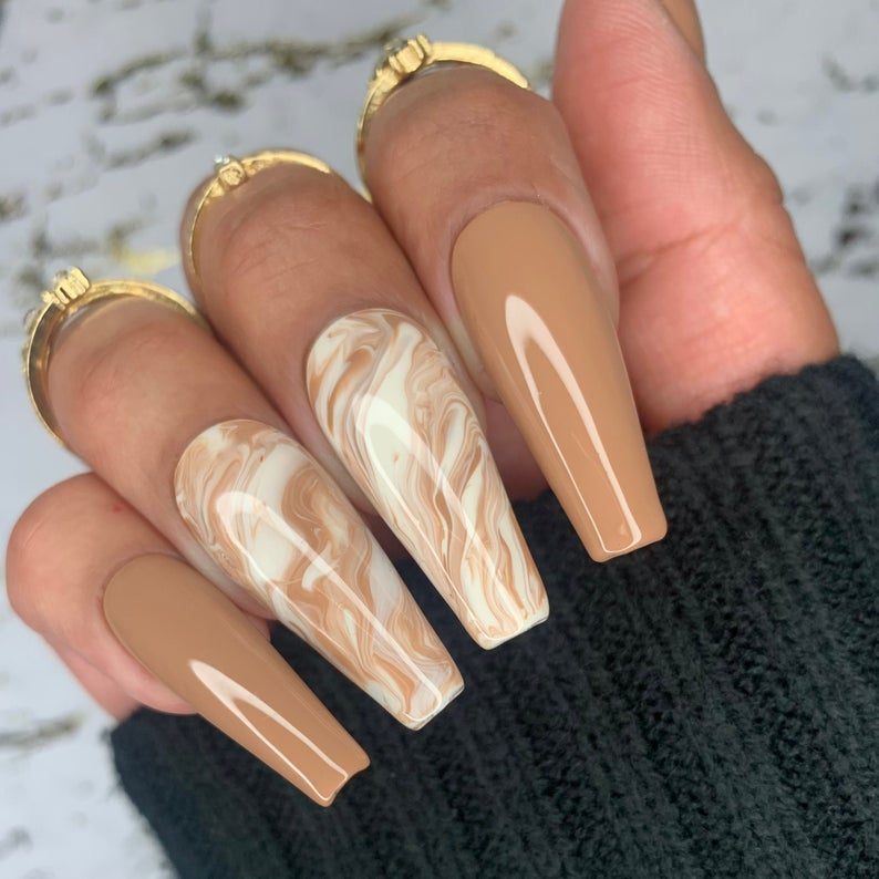 Nude nails and white marble design