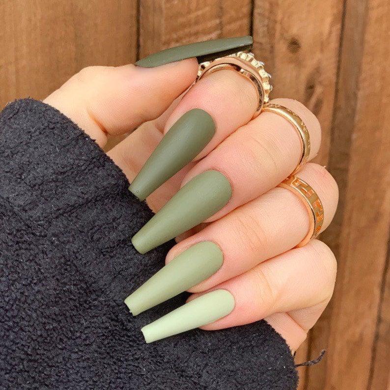 Gradient matte green nails