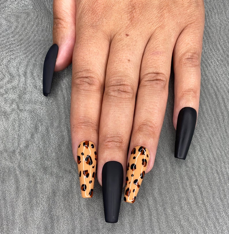 Leopard nails with black nails