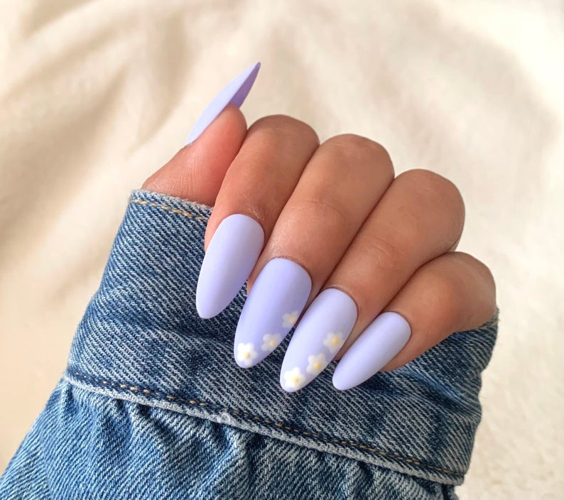 Lilac almond nails with flowers