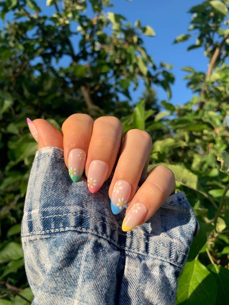Pastel tips nail art