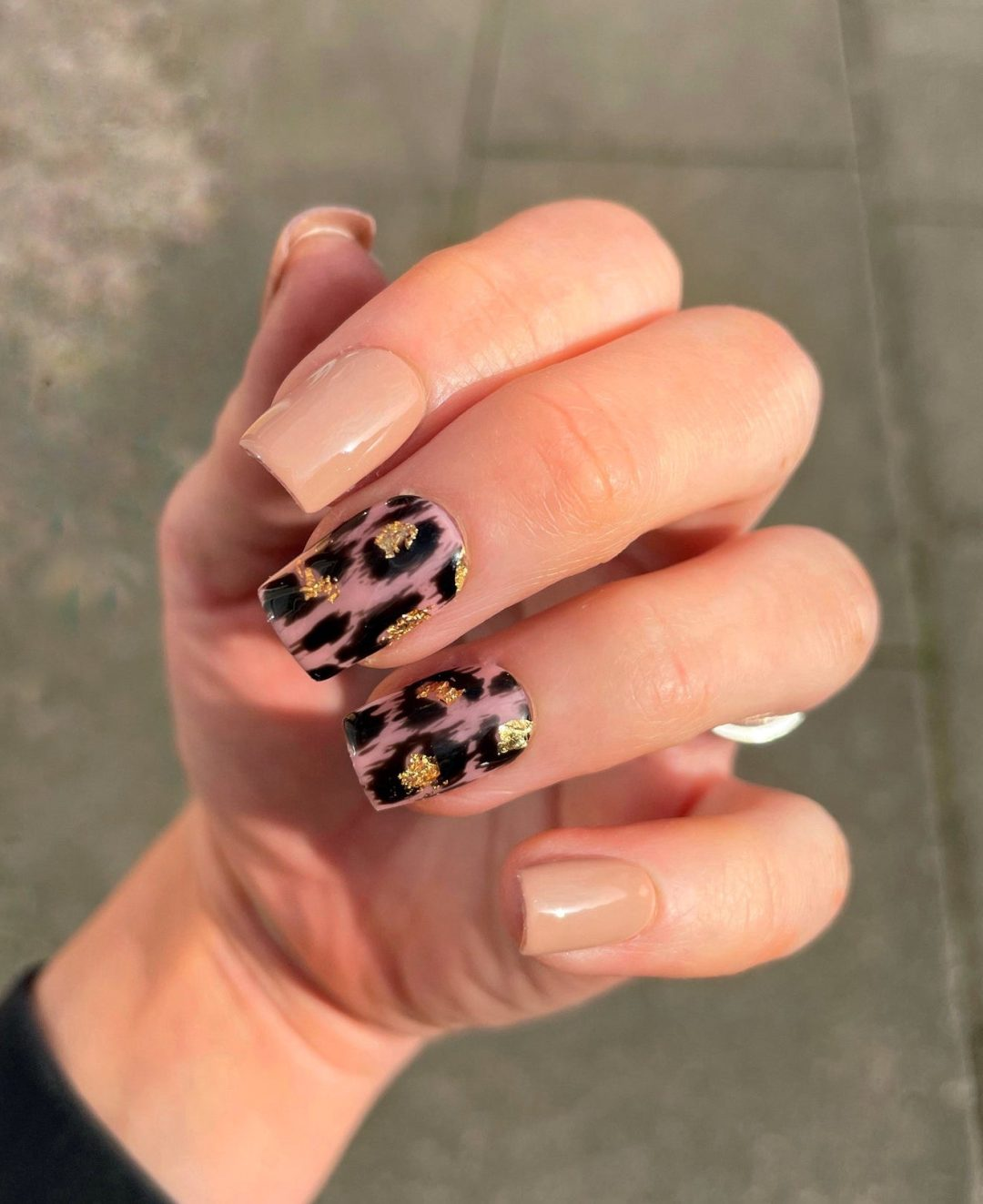 Nude leopard print nails with gold foil