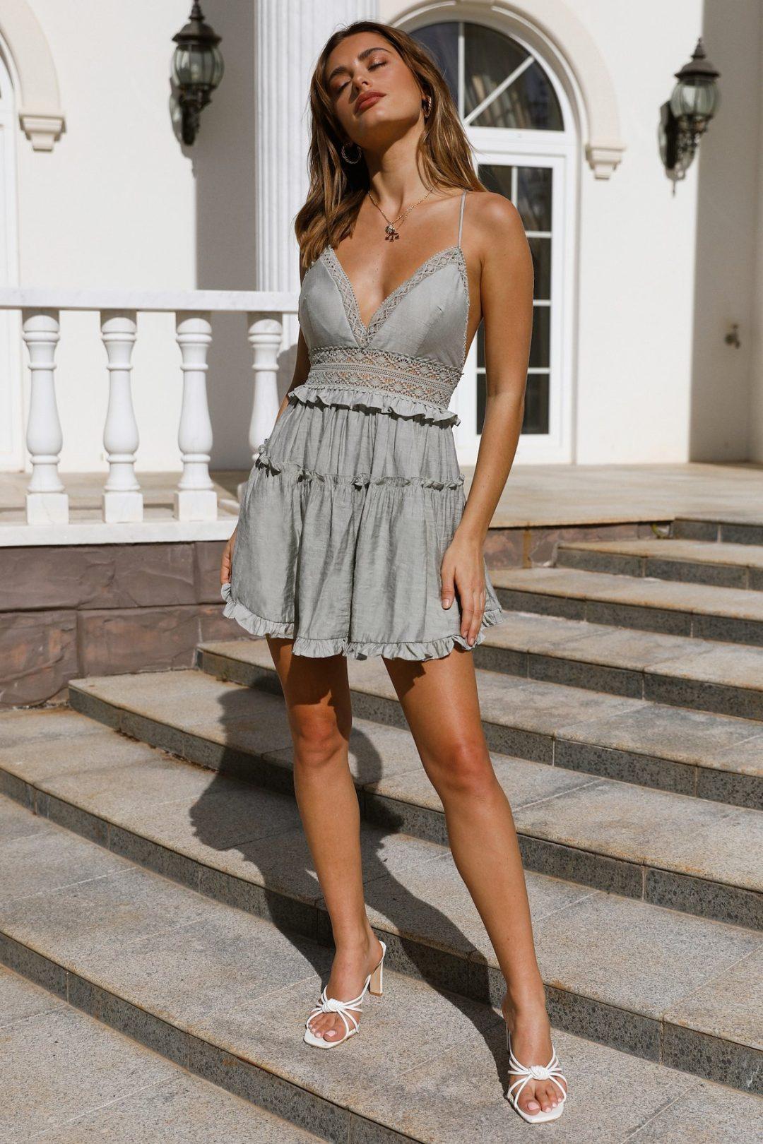 Cute grey summer dress like Selfie Leslie