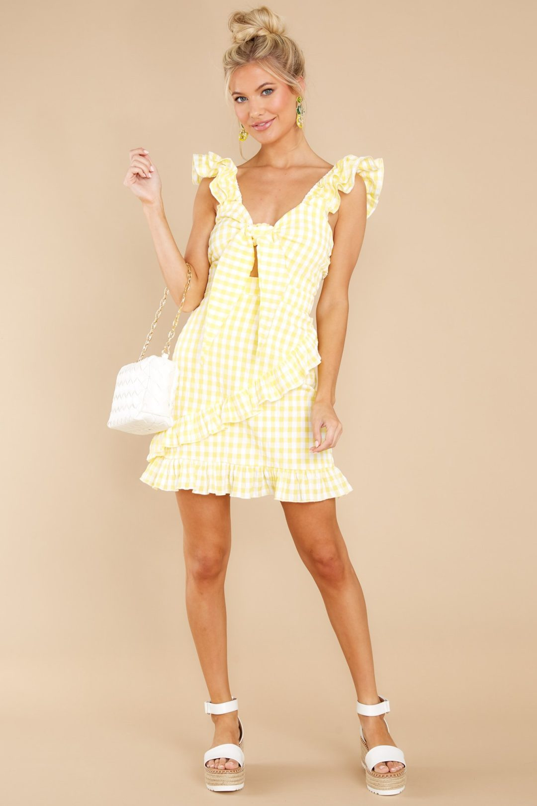 Yellow gingham summer dress from a store like Selfie Leslie