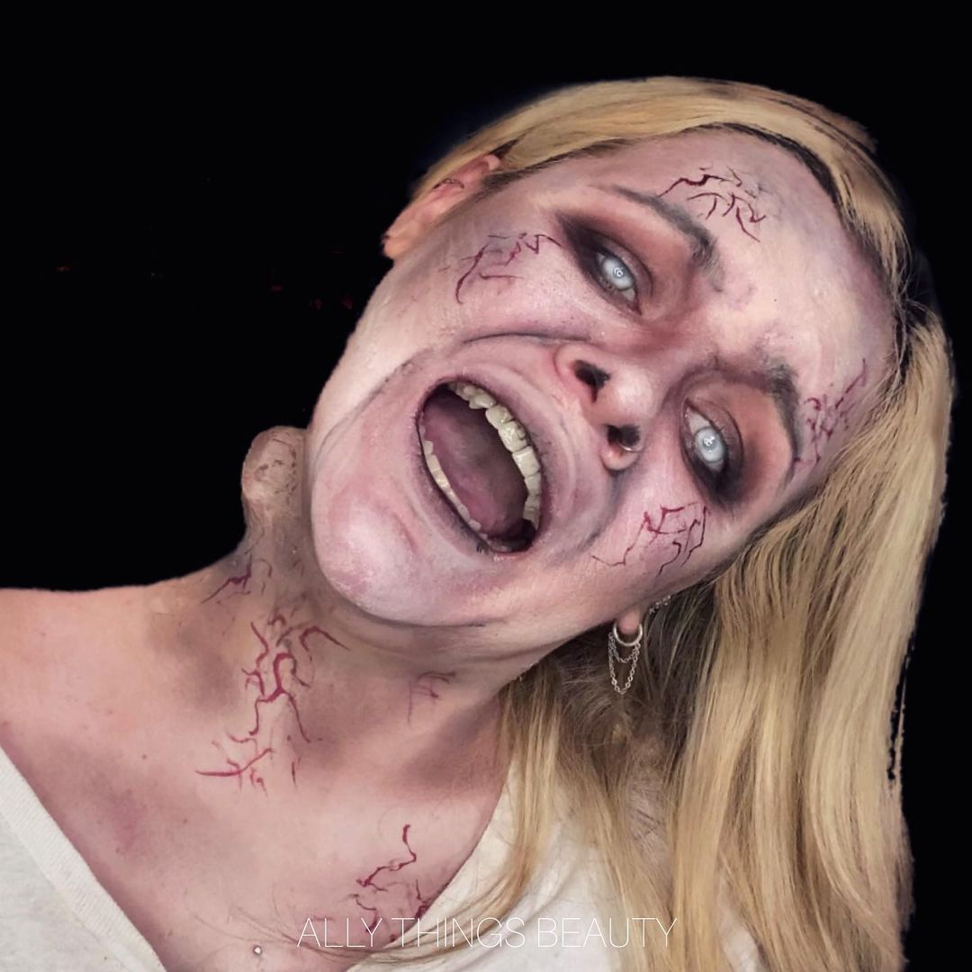 Bent Neck Lady for Scary Halloween Costumes for Women