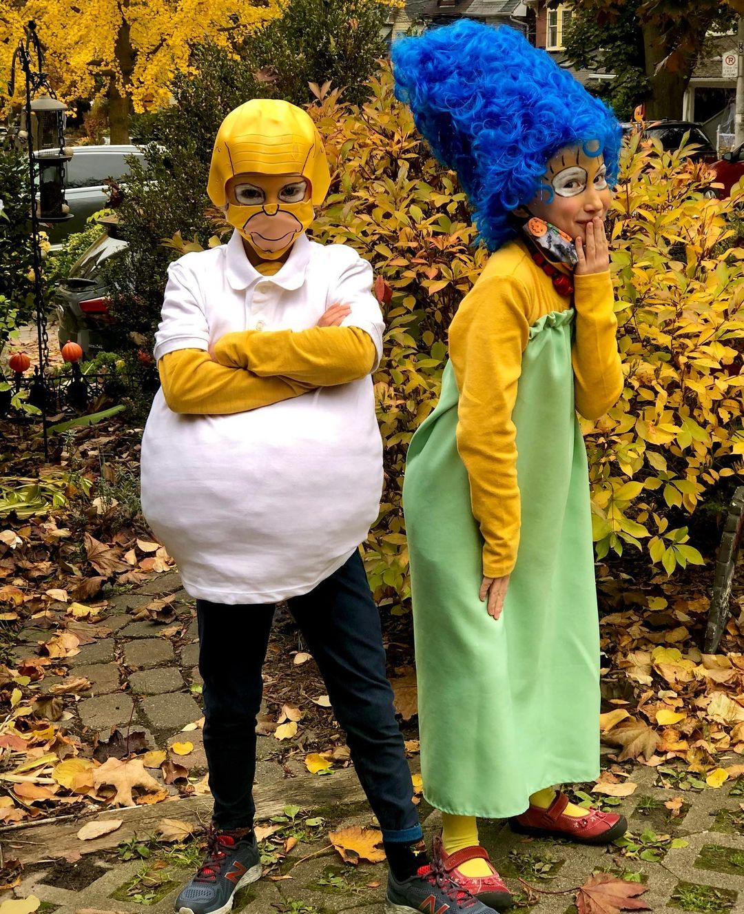 Marge & Homer simpson for Best Halloween Costumes for Best Friends
