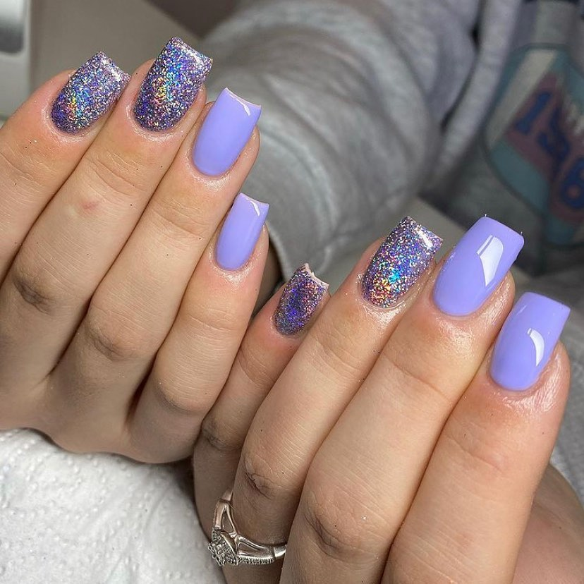 Lilac glitter nails for New Years Eve nails