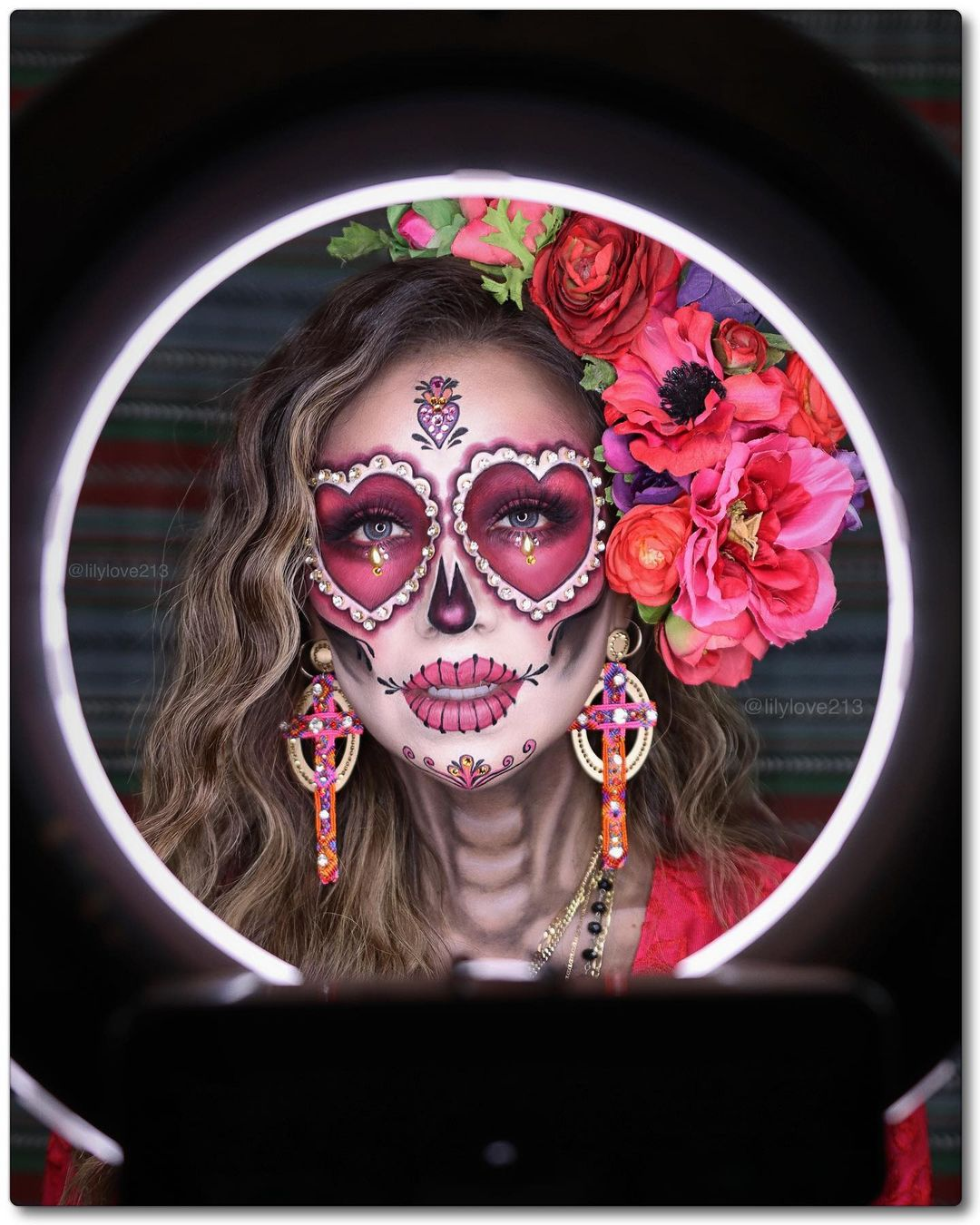 Sugar skull with hearts for Day of The Dead Makeup Ideas