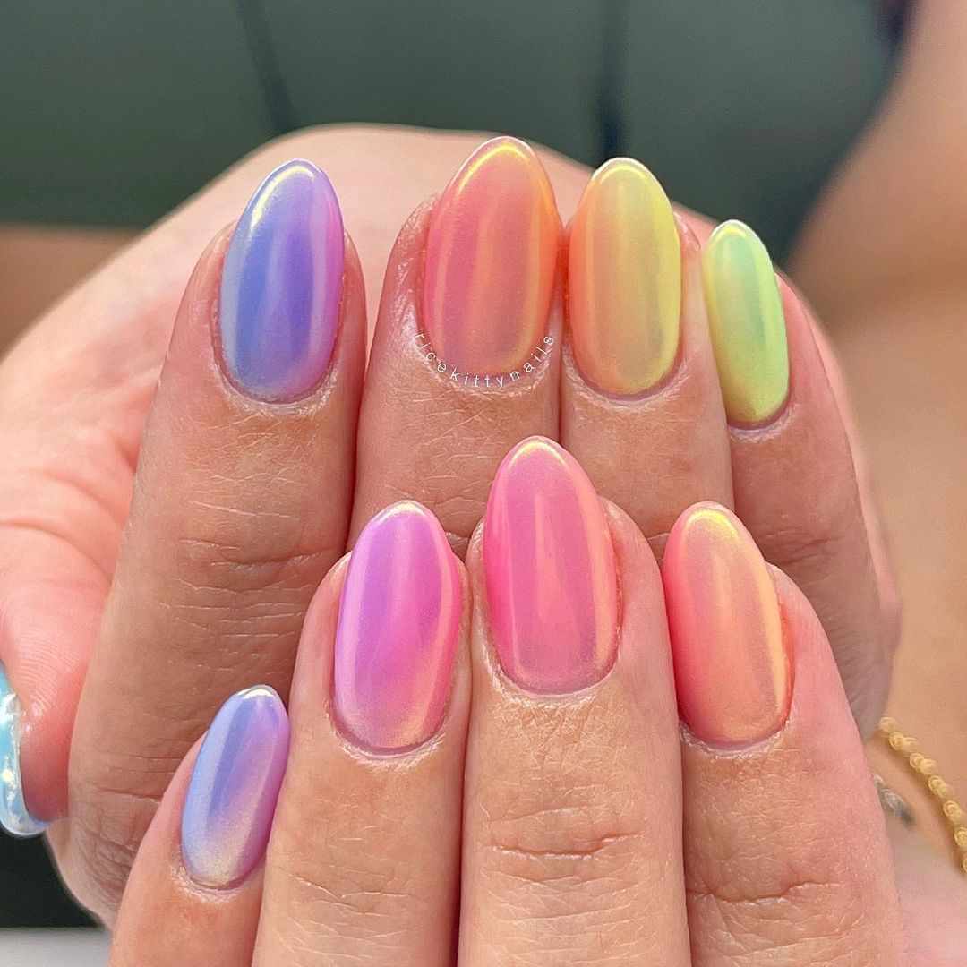 Multicolor chrome nails