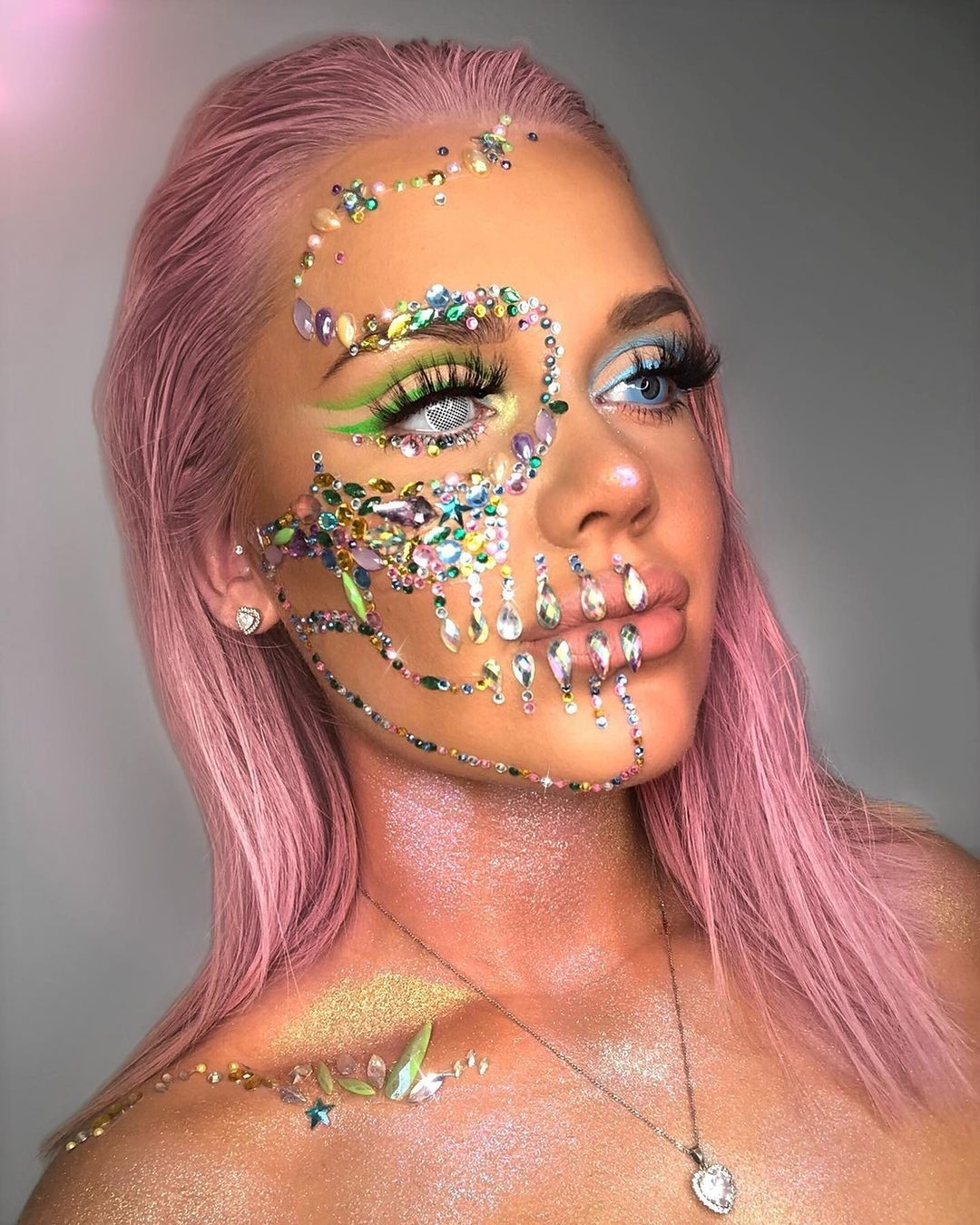 Bejewelled skull for Day of The Dead Makeup Ideas