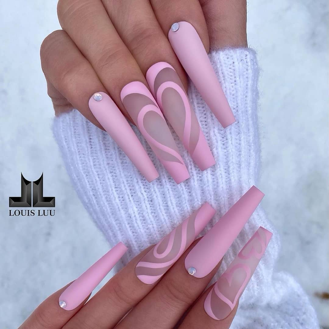 Swirly matte pink nails
