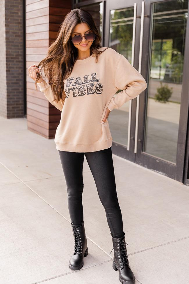 Basic fall outfit with sweatshirt