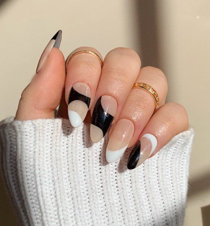 40+ Beautiful Black And White Nails You Can Wear All Year Long
