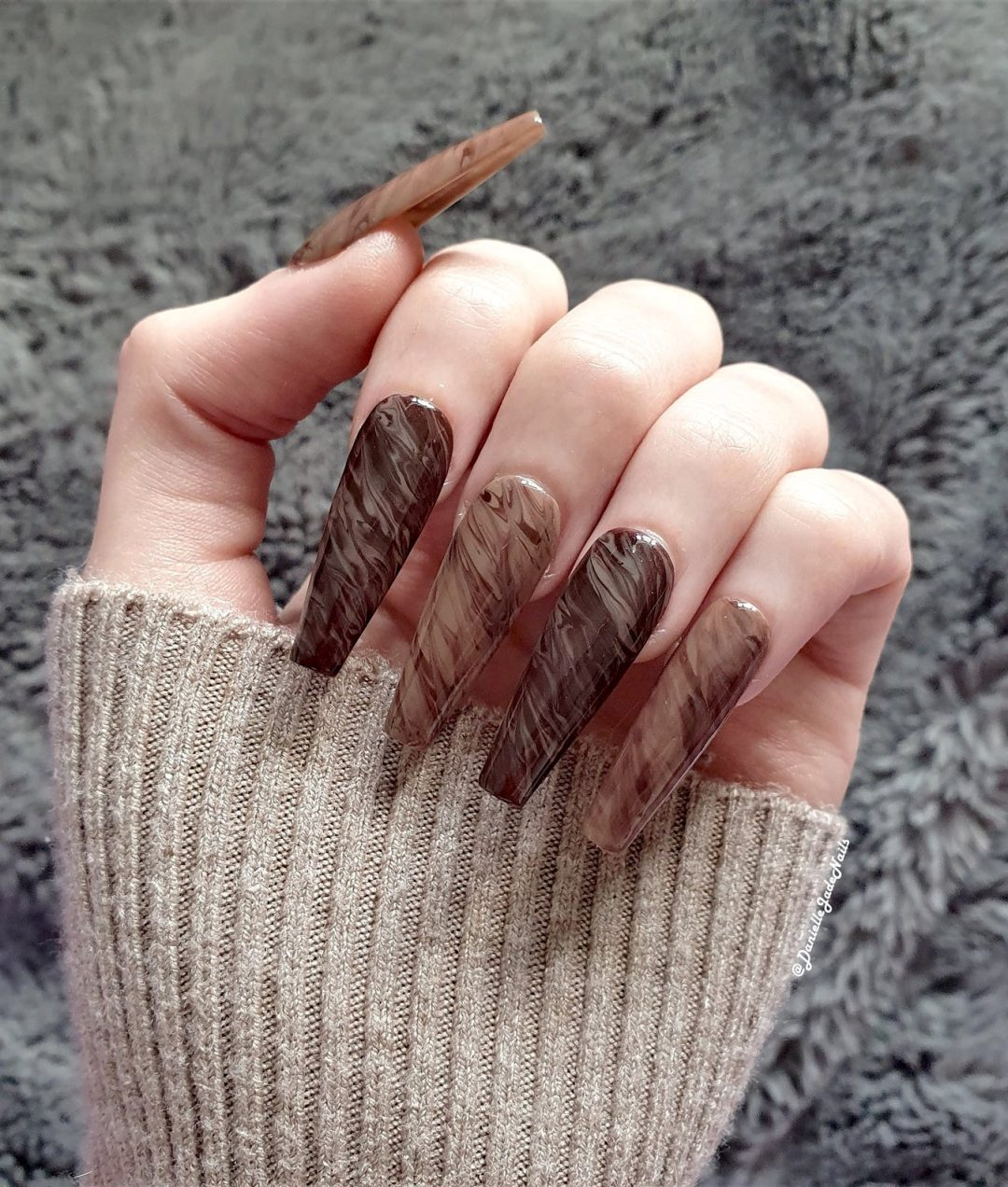 Coffee colored marble nail designs