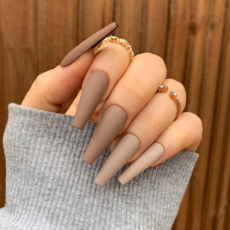 Matte brown ombre nails