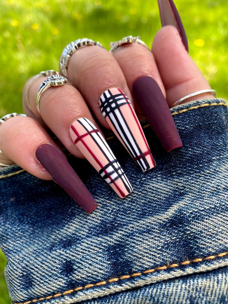 Burgundy burberry inspired nails with plaid design