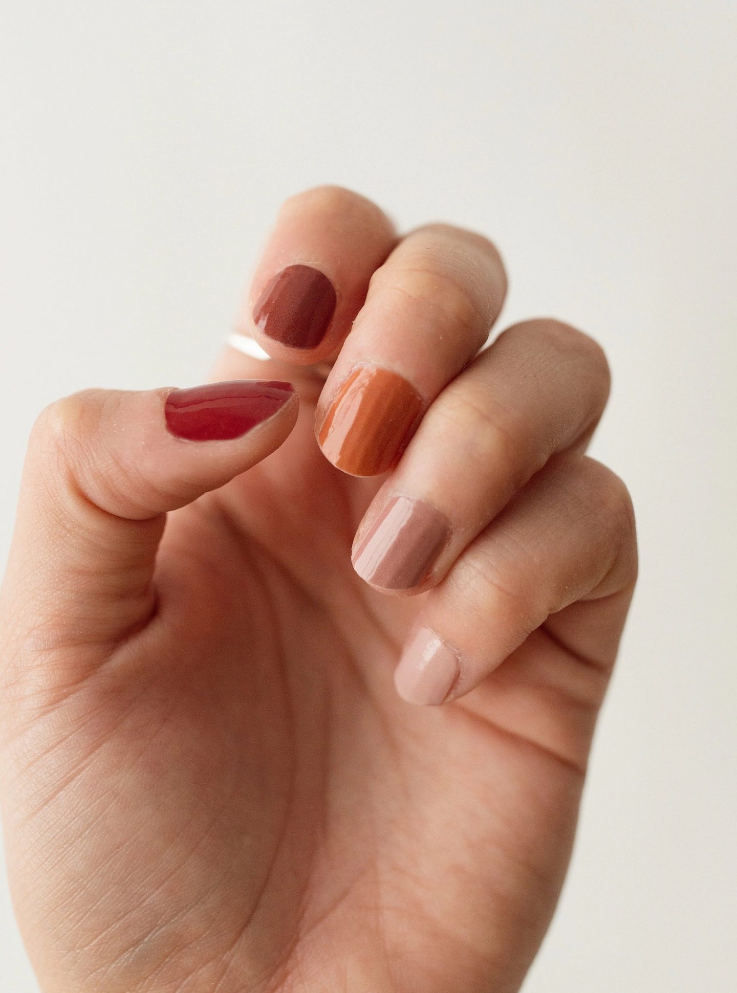Pumpkin spice ombre nails with fall colors