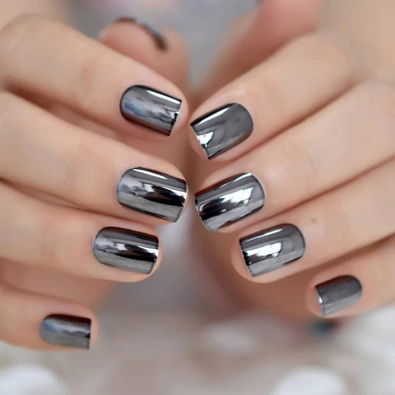 Short gun metal chrome nails