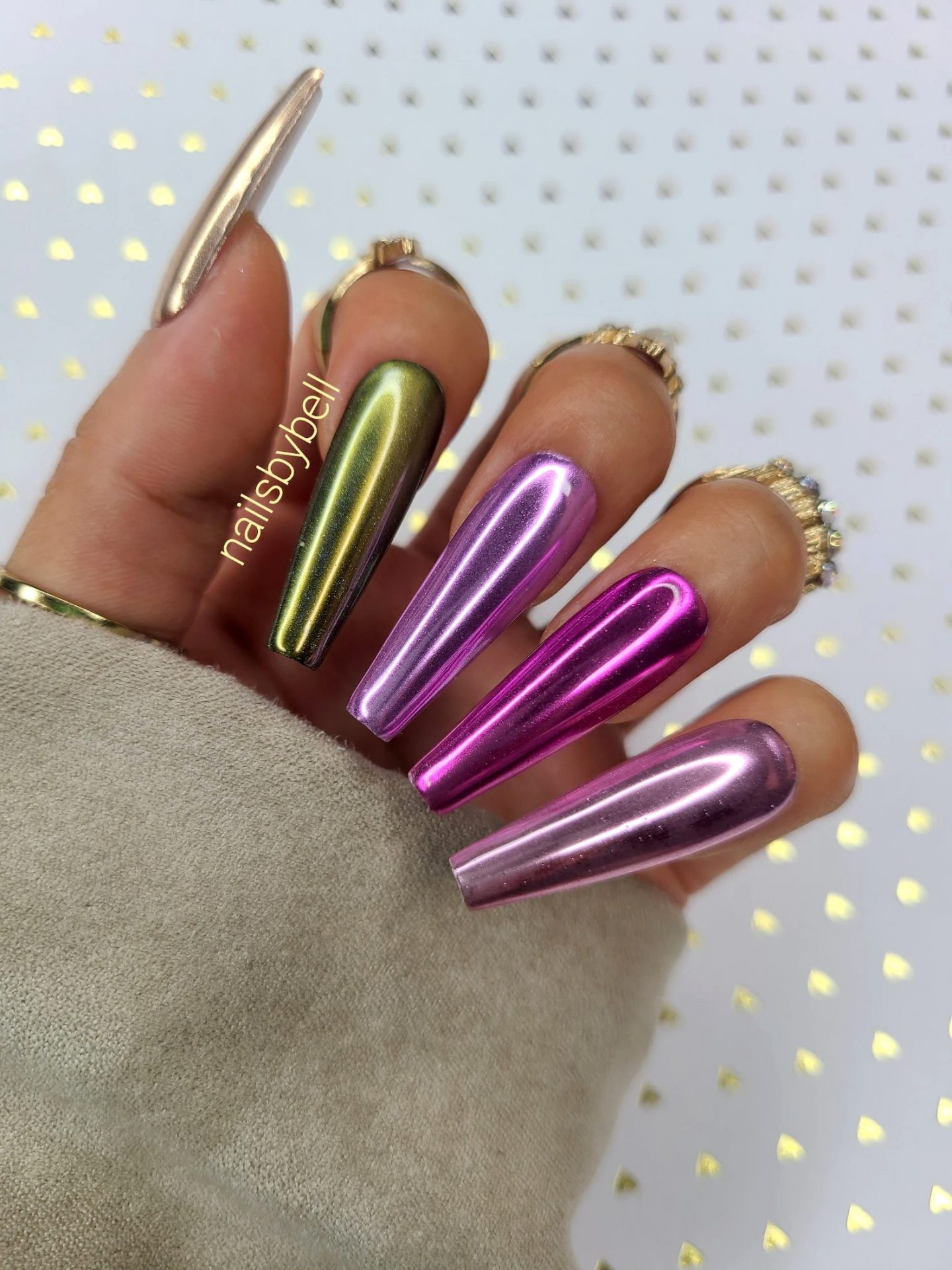 Cute rose gold ombre chrome nails