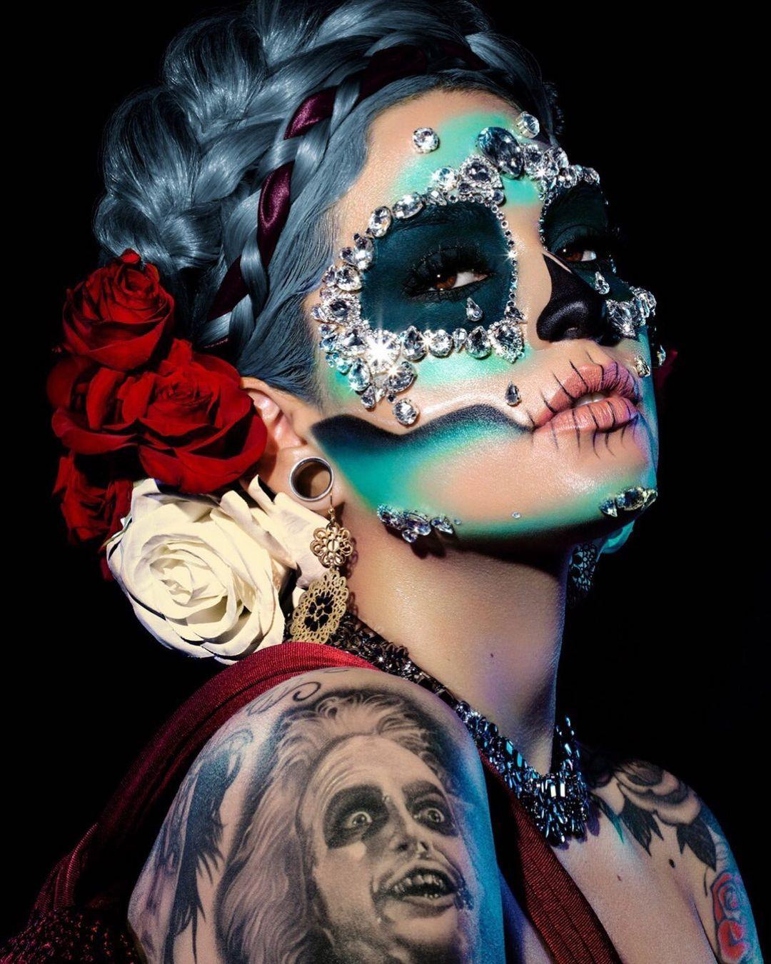 Glamorous skull makeup for dia de los muertes