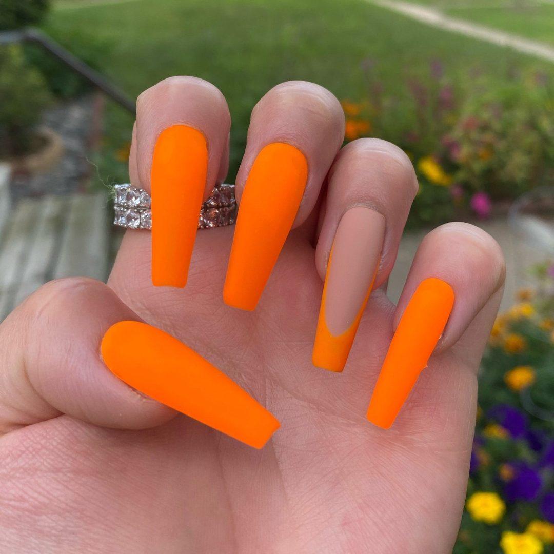 Burnt orange matte nails