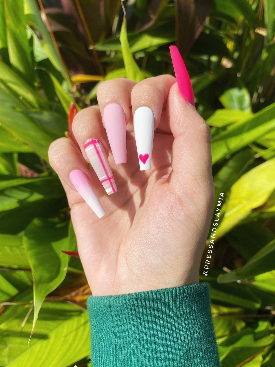 Matte pink heart nails with plaid pattern
