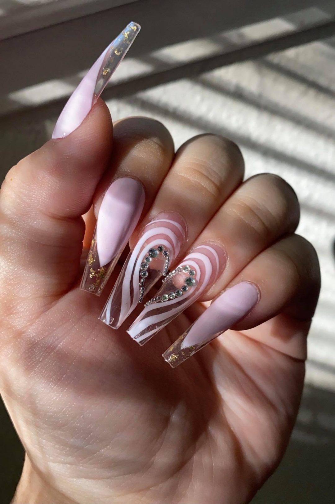 Lilac heart nails