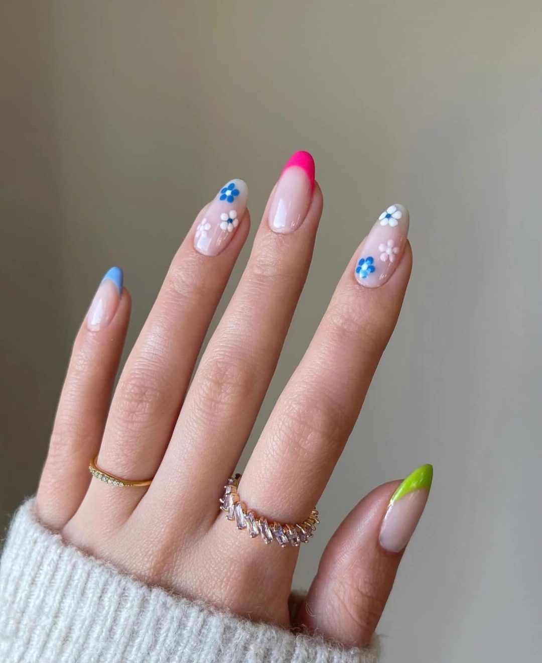 20 Glamorous Graduation Nails To Help You Celebrate In Style