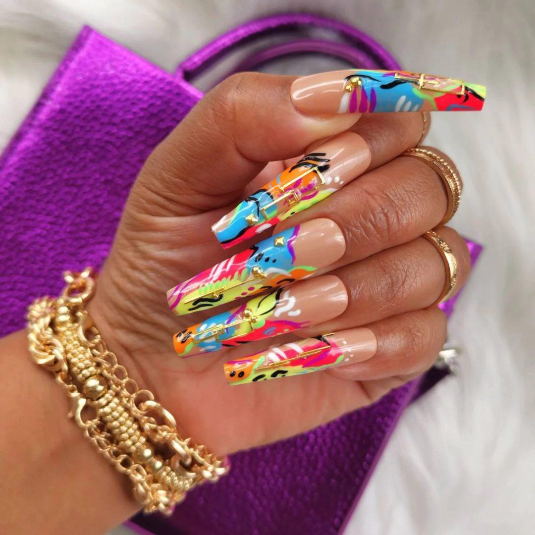 Multicolor patterned graduation nails